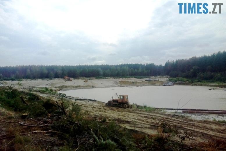 13 3 - Пустеля під Коростишевом: чиновники та гендлярі нищать ліс заради піску (фото, відео)