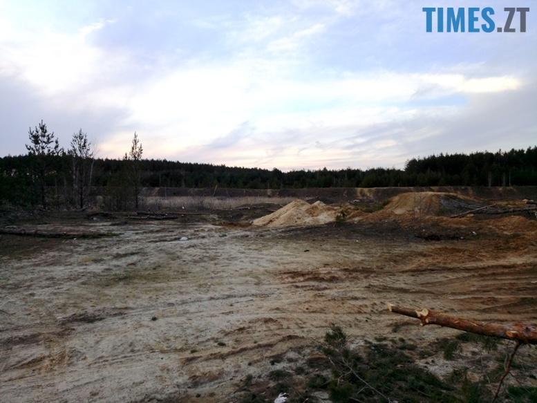 4 10 - Пустеля під Коростишевом: чиновники та гендлярі нищать ліс заради піску (фото, відео)