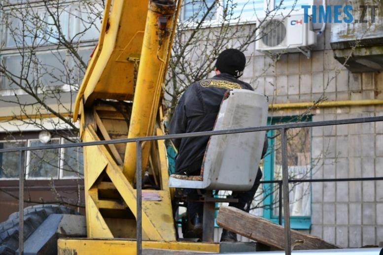 6 6 - Будинку на вулиці Лятошинського - труба (відео, фото)