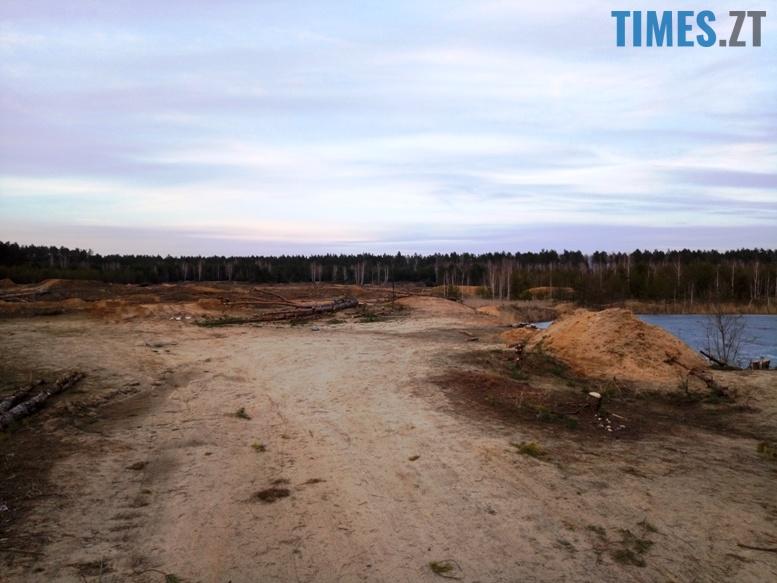 7 4 - Пустеля під Коростишевом: чиновники та гендлярі нищать ліс заради піску (фото, відео)