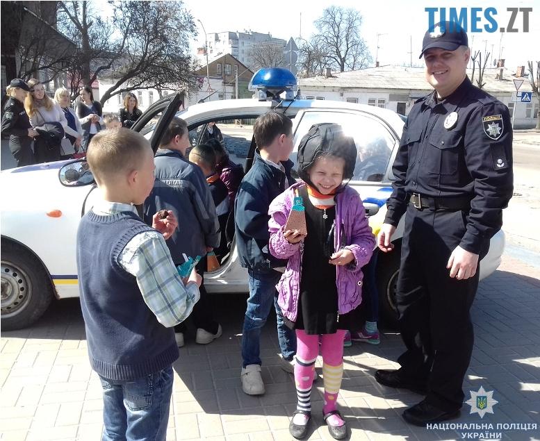 muzey7 - Поліція влаштувала «космічну» екскурсію для нещасних дітей