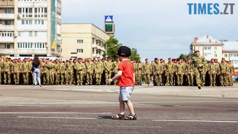 имени 16 1 - Житомиряни зустріли героїв, які повернулися із зони бойових дій