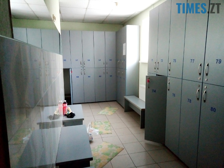Тренажерний зал Східний - роздягальня | TIMES.ZT