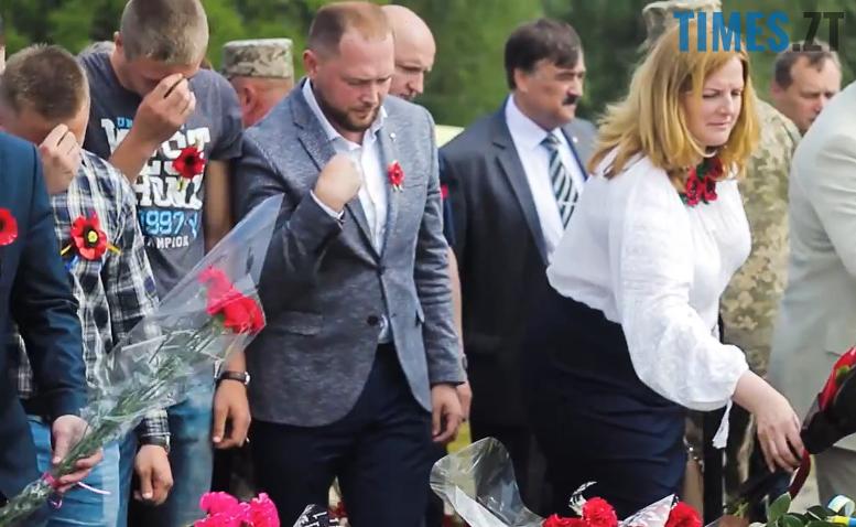 7m - 8-9 травня Житомир патрулювала поліція на конях та велосипедах (відео, фото)