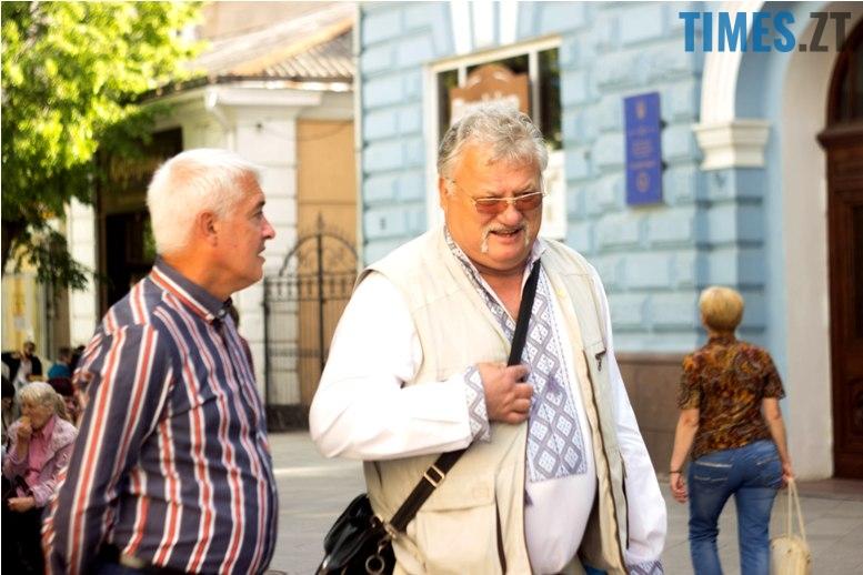 IMG 6063 - Десятки тисяч дорослих і дітей вийшли на вулиці Житомира у вишиванках