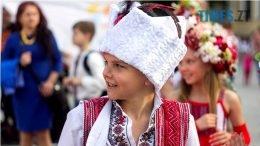 IMG 6081 260x146 - Десятки тисяч дорослих і дітей вийшли на вулиці Житомира у вишиванках