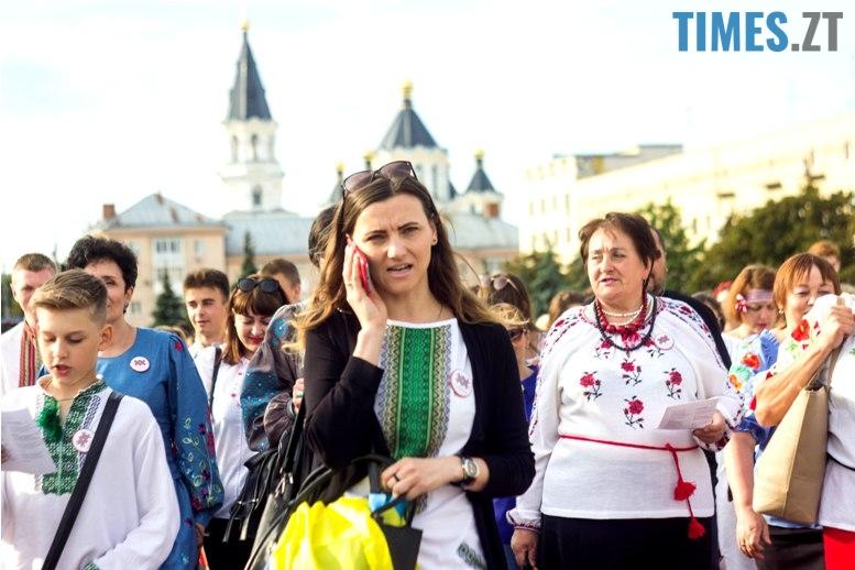 IMG 6093 - Десятки тисяч дорослих і дітей вийшли на вулиці Житомира у вишиванках