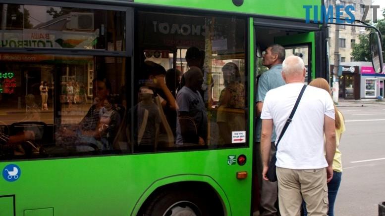 1 3 - Не маршрутка за ціною маршрутки: як я каталася зеленим автобусом МАЗ