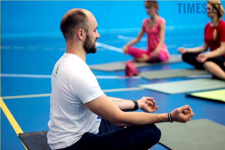 IMG 0051 - «Заснути на цвяхах»: у Житомирі пройшов День йоги