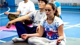IMG 0053 2 260x146 - «Заснути на цвяхах»: у Житомирі пройшов День йоги