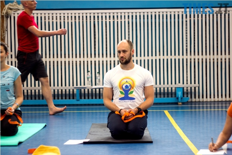 IMG 0083 - «Заснути на цвяхах»: у Житомирі пройшов День йоги