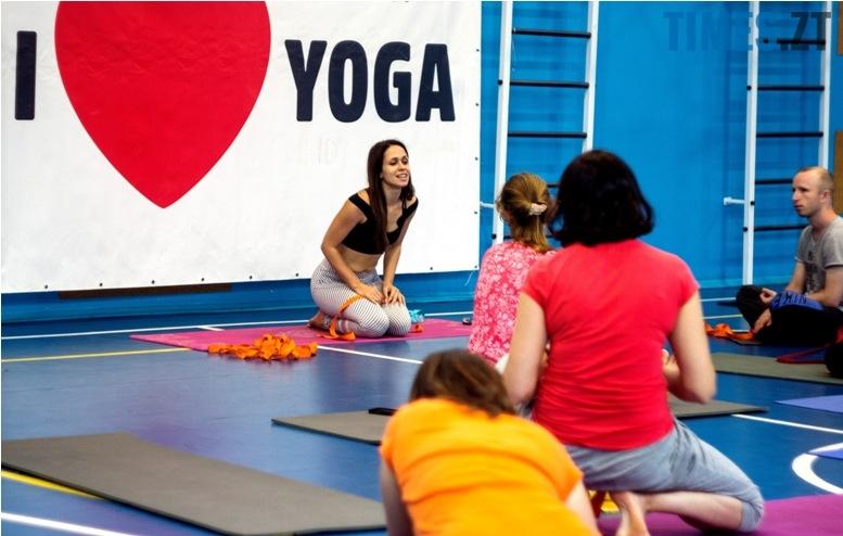 IMG 0085 - «Заснути на цвяхах»: у Житомирі пройшов День йоги