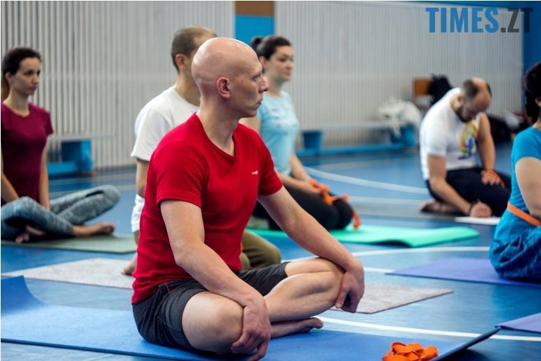 IMG 0097 - «Заснути на цвяхах»: у Житомирі пройшов День йоги