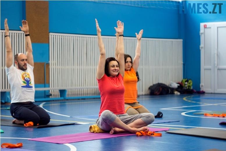 IMG 0124 - «Заснути на цвяхах»: у Житомирі пройшов День йоги