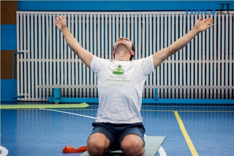 IMG 0130 - «Заснути на цвяхах»: у Житомирі пройшов День йоги