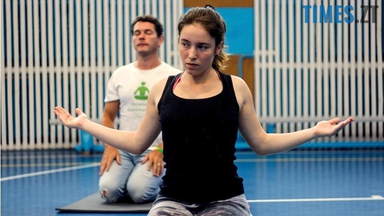 IMG 0145 - «Заснути на цвяхах»: у Житомирі пройшов День йоги