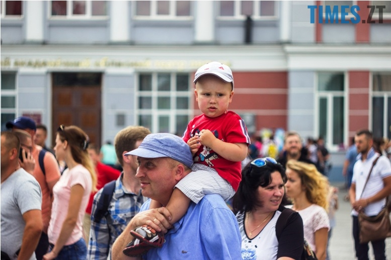 IMG 9816 - День батька у Житомирі: свято чи чергова нудна «мильна бульбашка»?