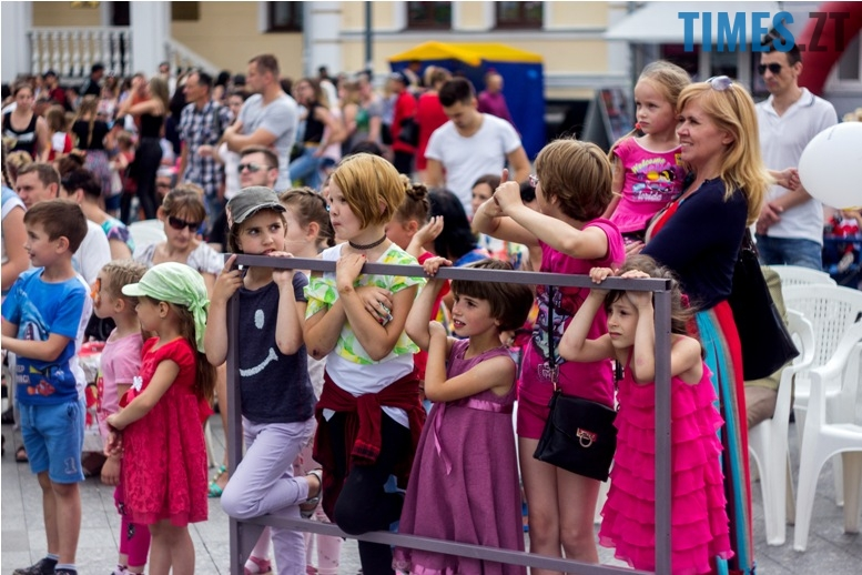 IMG 9825 - День батька у Житомирі: свято чи чергова нудна «мильна бульбашка»?