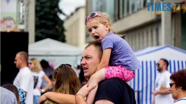 IMG 9826 - День батька у Житомирі: свято чи чергова нудна «мильна бульбашка»?