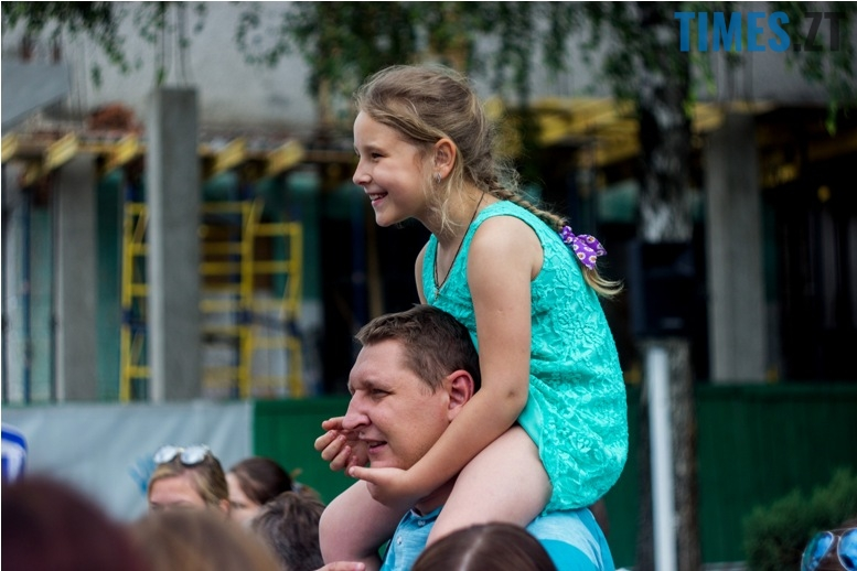 IMG 9834 - День батька у Житомирі: свято чи чергова нудна «мильна бульбашка»?