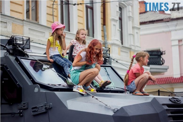 IMG 9873 - День батька у Житомирі: свято чи чергова нудна «мильна бульбашка»?