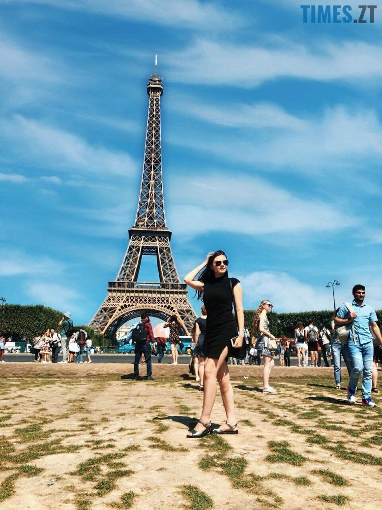 37340825 2616111518614509 454396325757190144 n - Європейський щоденник Олесі: побачити Париж – і вижити
