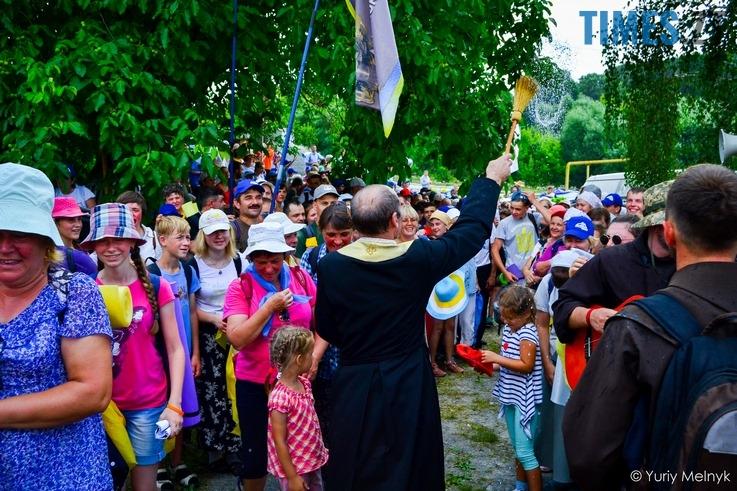 DSC 0778 Копировать - У Бердичів прибули близько 20 тисяч паломників