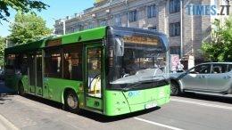 автобуси 260x146 - У Житомирі звільнили водія комунального автобусу, який грубіянив пасажирам