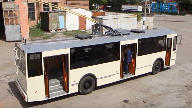38689497 259845741325166 7976720773752553472 n 1 - До кінця року за 2 мільйони працівники ТТУ проведуть реконструкцію ще одного тролейбуса