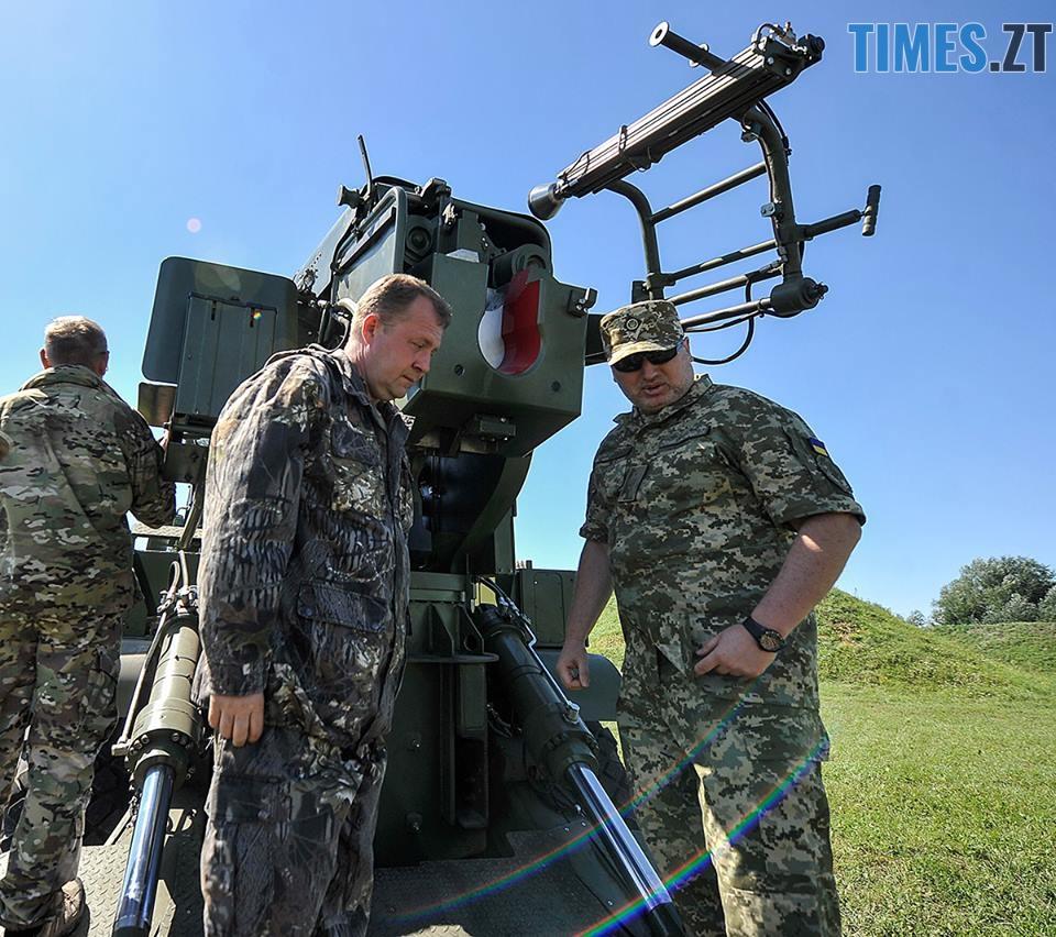 38915466 1335540203246595 3020574551370104832 n - На Житомирському військовому полігоні випробували новітню зброю (ФОТО)
