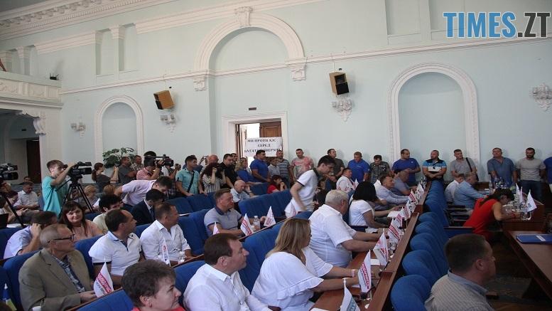 IMG 8256 - Директор Водоканалу звітуватиме перед громадою: активісти вимагають відставки (ФОТО)