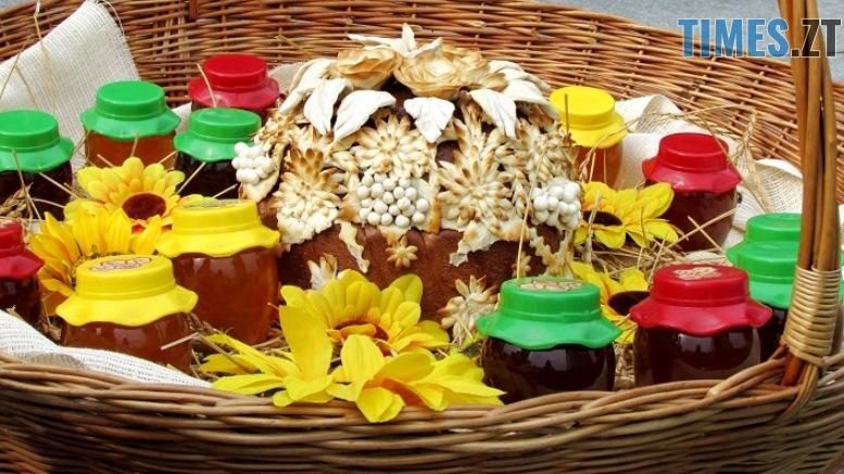 med 13 - Вперше за 10 років у Житомирі відбувся обласний ярмарок меду (ФОТО)
