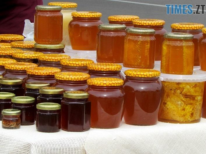 med 15 - Вперше за 10 років у Житомирі відбувся обласний ярмарок меду (ФОТО)