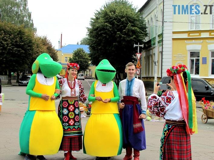 med 20 - Вперше за 10 років у Житомирі відбувся обласний ярмарок меду (ФОТО)