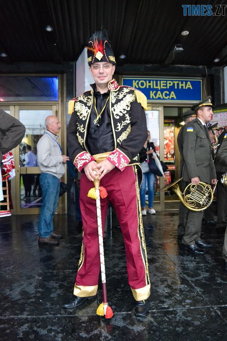 10 2 - Танцюють діти у калюжах, оркестри грають під дощем: День Житомира–2018 (ФОТО, ВІДЕО)