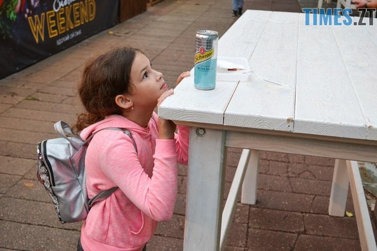 11 1 - Святковий фальстарт у п'ятницю: вулична їжа вже є – а клієнтів ще нема (ФОТОРЕПОРТАЖ)