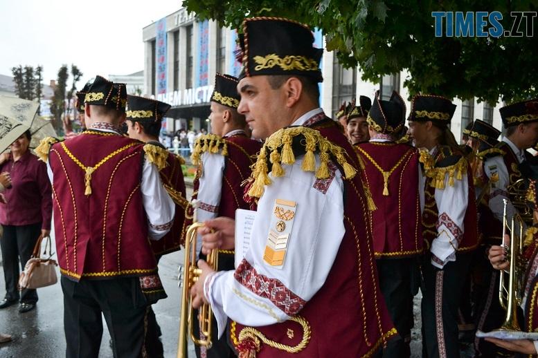 11 2 - Танцюють діти у калюжах, оркестри грають під дощем: День Житомира–2018 (ФОТО, ВІДЕО)