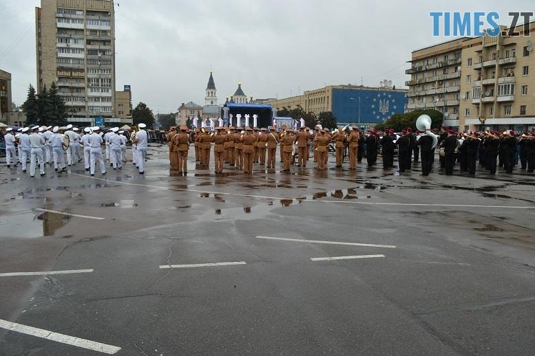 22 - Танцюють діти у калюжах, оркестри грають під дощем: День Житомира–2018 (ФОТО, ВІДЕО)