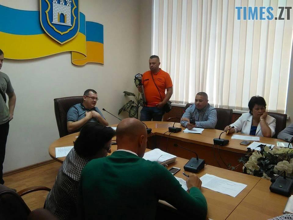 1 - Комісія погодила розміщення МАФу депутата міської ради, новий директор ТТУ – проти