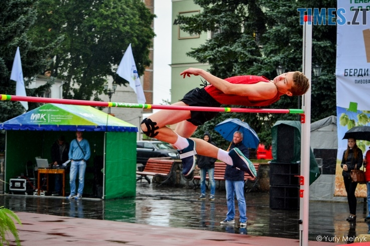 1 1 Копировать - Бердичівлянине змогли обійти суперників у традиційному турнірі зі стрибків у висоту імені Лонського (ФОТО)