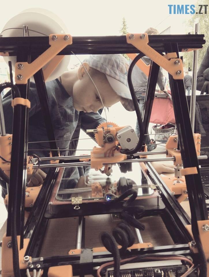 11 1 - Безпілотні автомобілі, промислові роботи та 3D голограми: новинки на  SpaceTechFest 2018 (ФОТО)