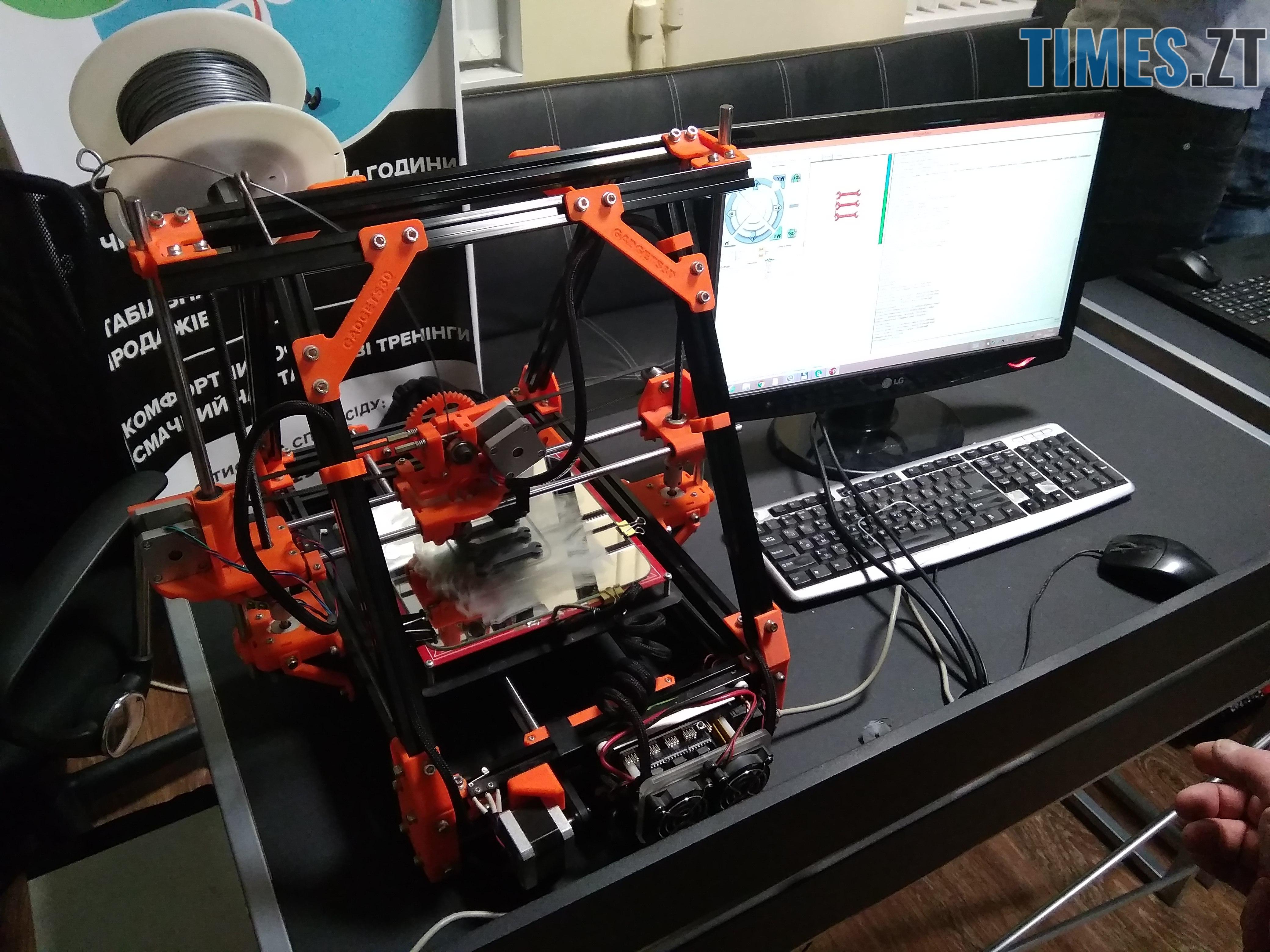 13 - Безпілотні автомобілі, промислові роботи та 3D голограми: новинки на  SpaceTechFest 2018 (ФОТО)