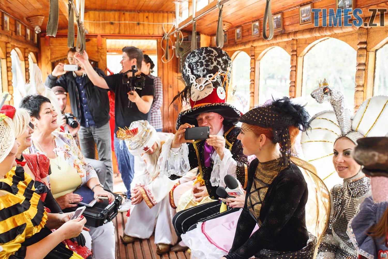 42197761 1045863758928572 9153424044853297152 o - У Житомирі дитячий театральний сезон почали у ретро-трамваї та продовжать на морському дні (ФОТО)