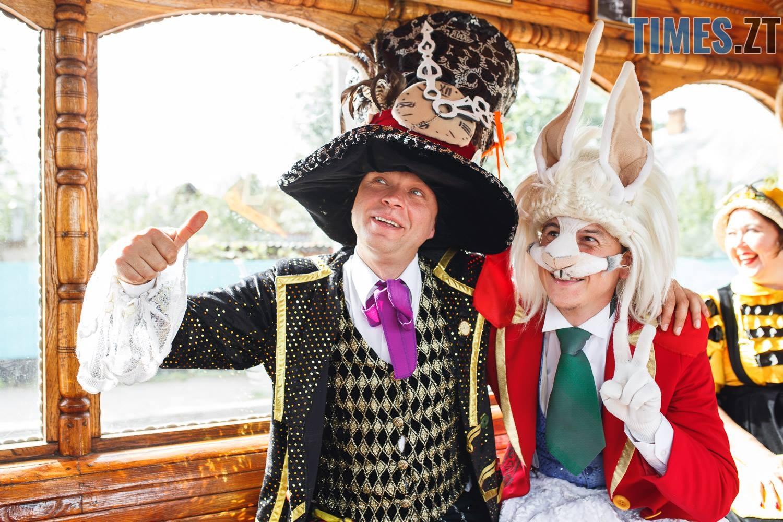 42199131 1045863745595240 7319522981405786112 o - У Житомирі дитячий театральний сезон почали у ретро-трамваї та продовжать на морському дні (ФОТО)