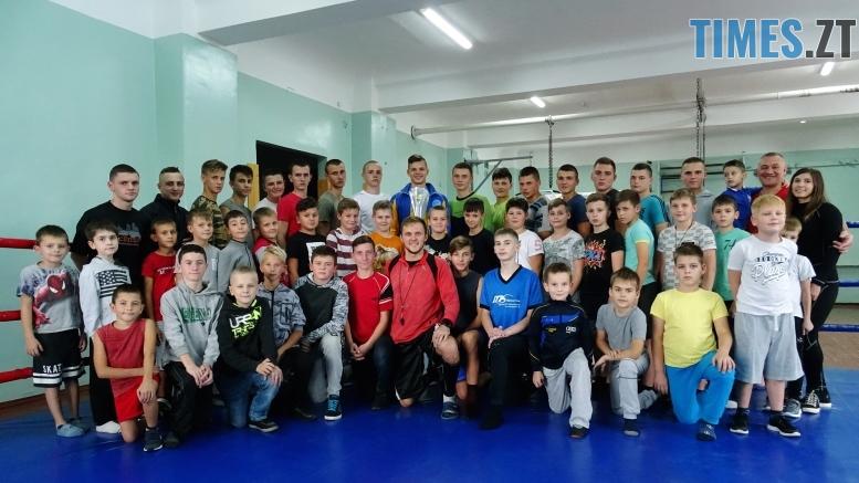 DSC02006 - Як одноклубники зустріли житомирського кікбоксера Артема Мельника, який став чемпіоном світу-2018 WAKO серед молоді (ФОТО)