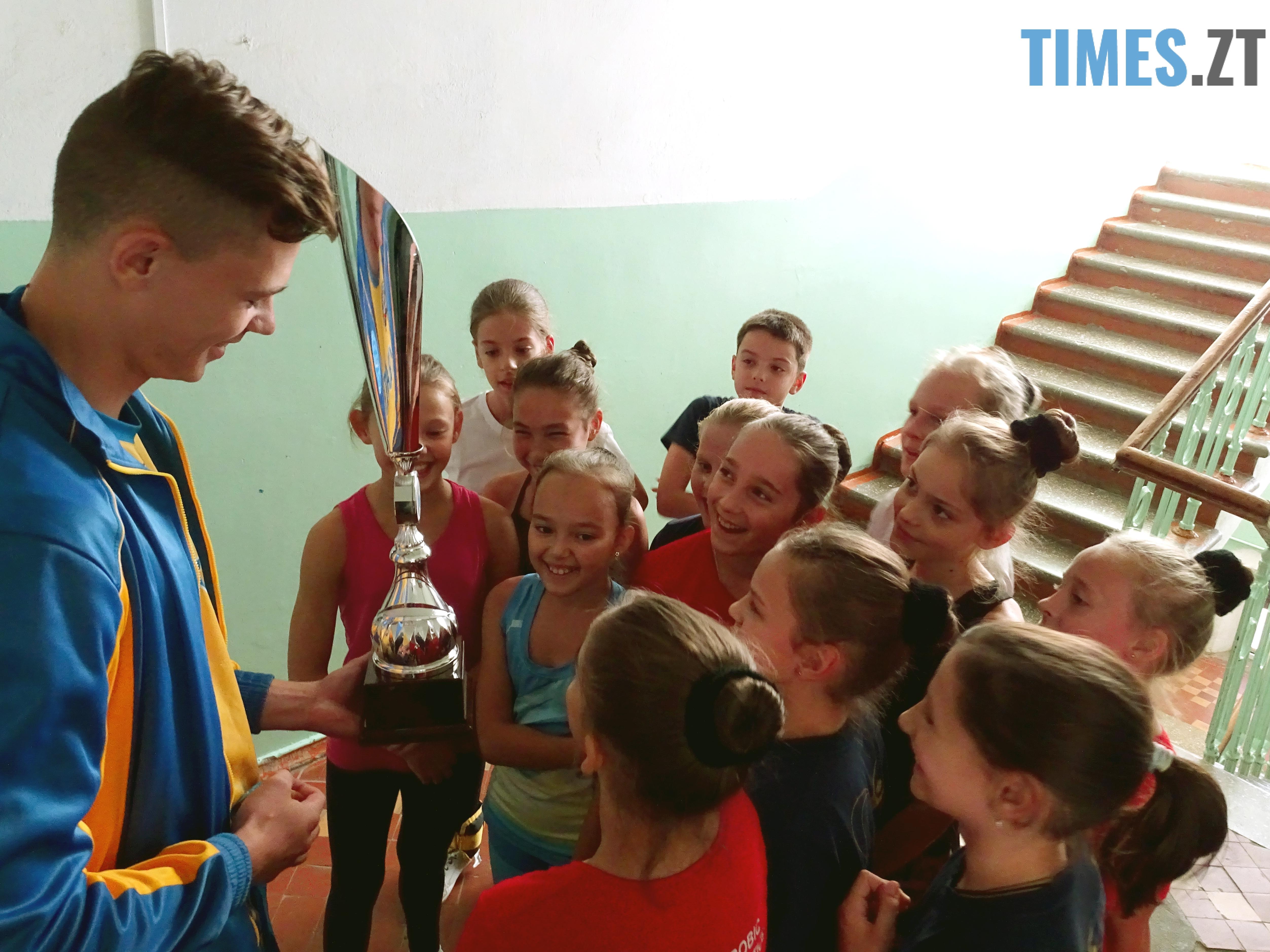 DSC02034 - Як одноклубники зустріли житомирського кікбоксера Артема Мельника, який став чемпіоном світу-2018 WAKO серед молоді (ФОТО)