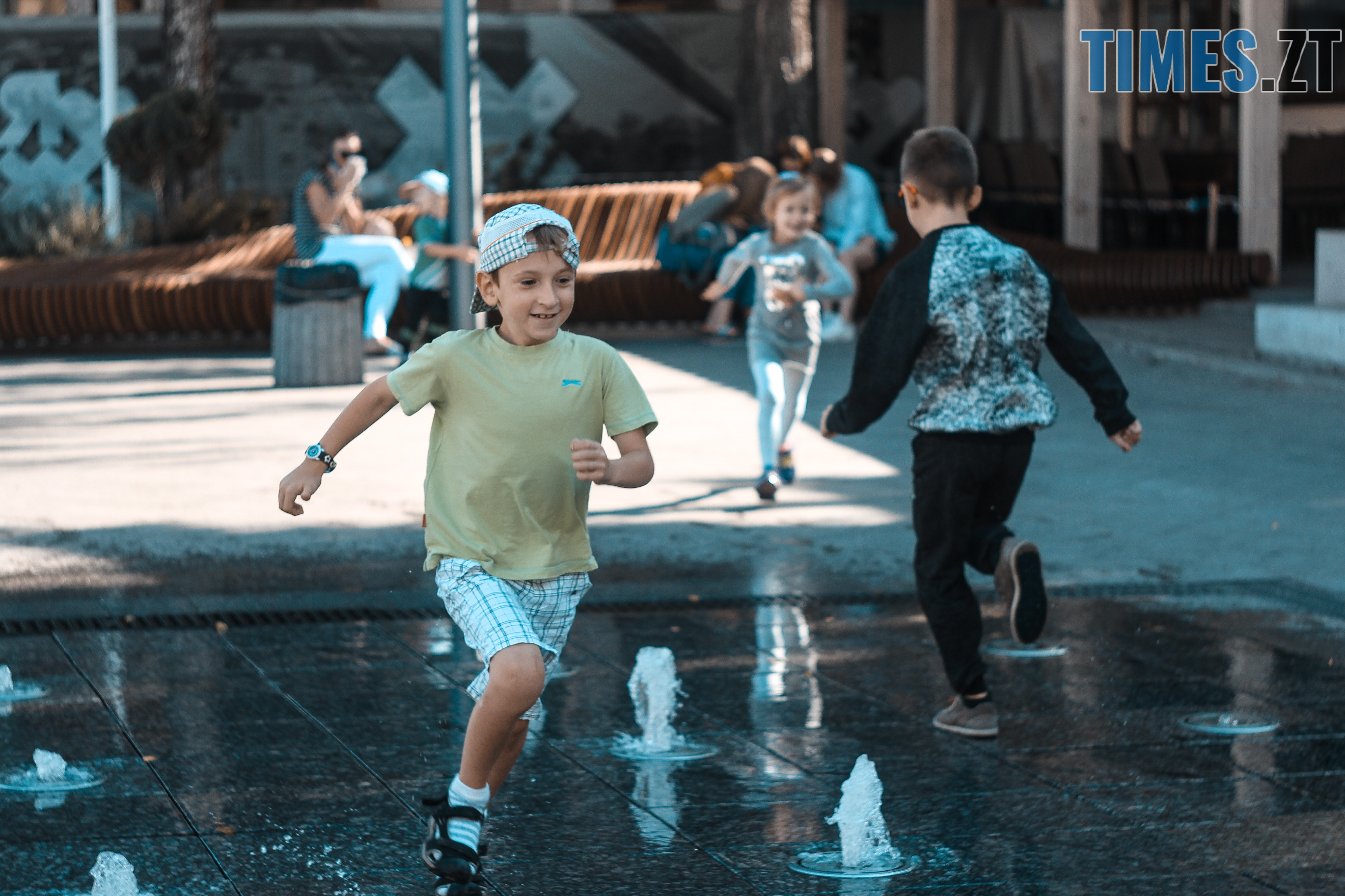 IMG 0660 - У Житомирі безпородні песики стали справжніми зірками, а їх породисті друзі – групою підтримки (ФОТОРЕПОРТАЖ)