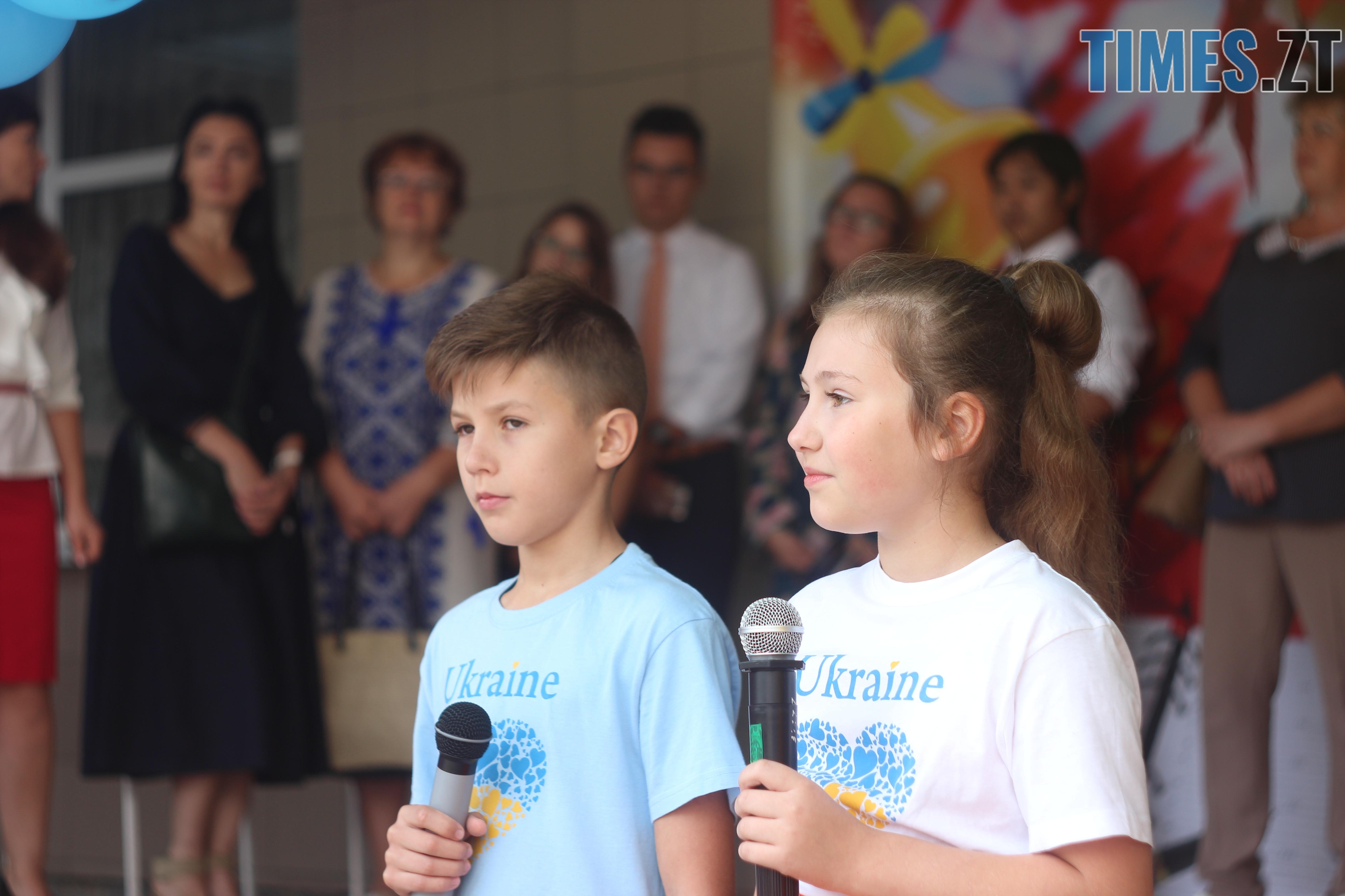 IMG 8763 - Майже 4 тисячі житомирських першокласників навчатимуться за системою Нової української школи (ФОТОРЕПОРТАЖ)