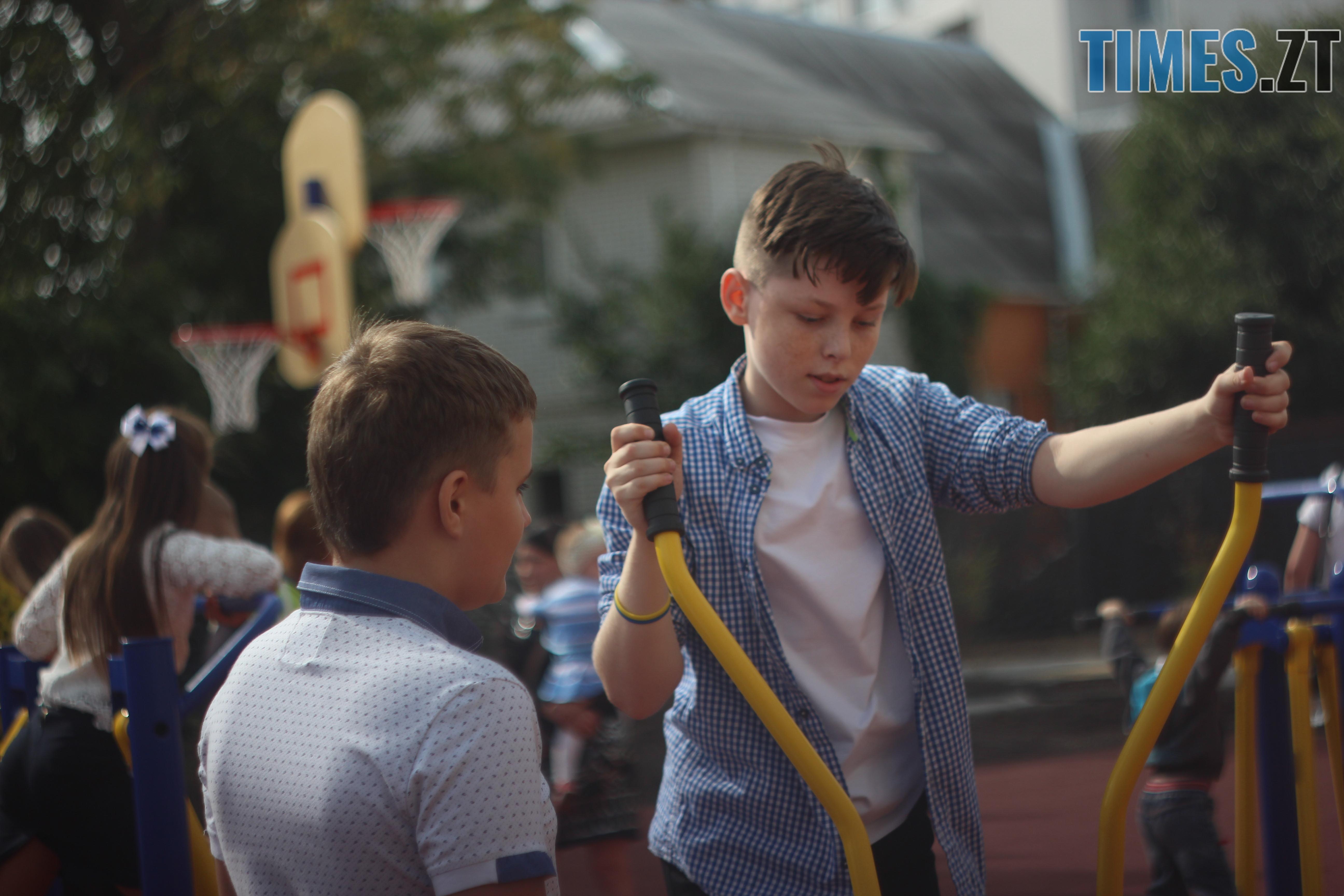 IMG 8890 - Майже 4 тисячі житомирських першокласників навчатимуться за системою Нової української школи (ФОТОРЕПОРТАЖ)