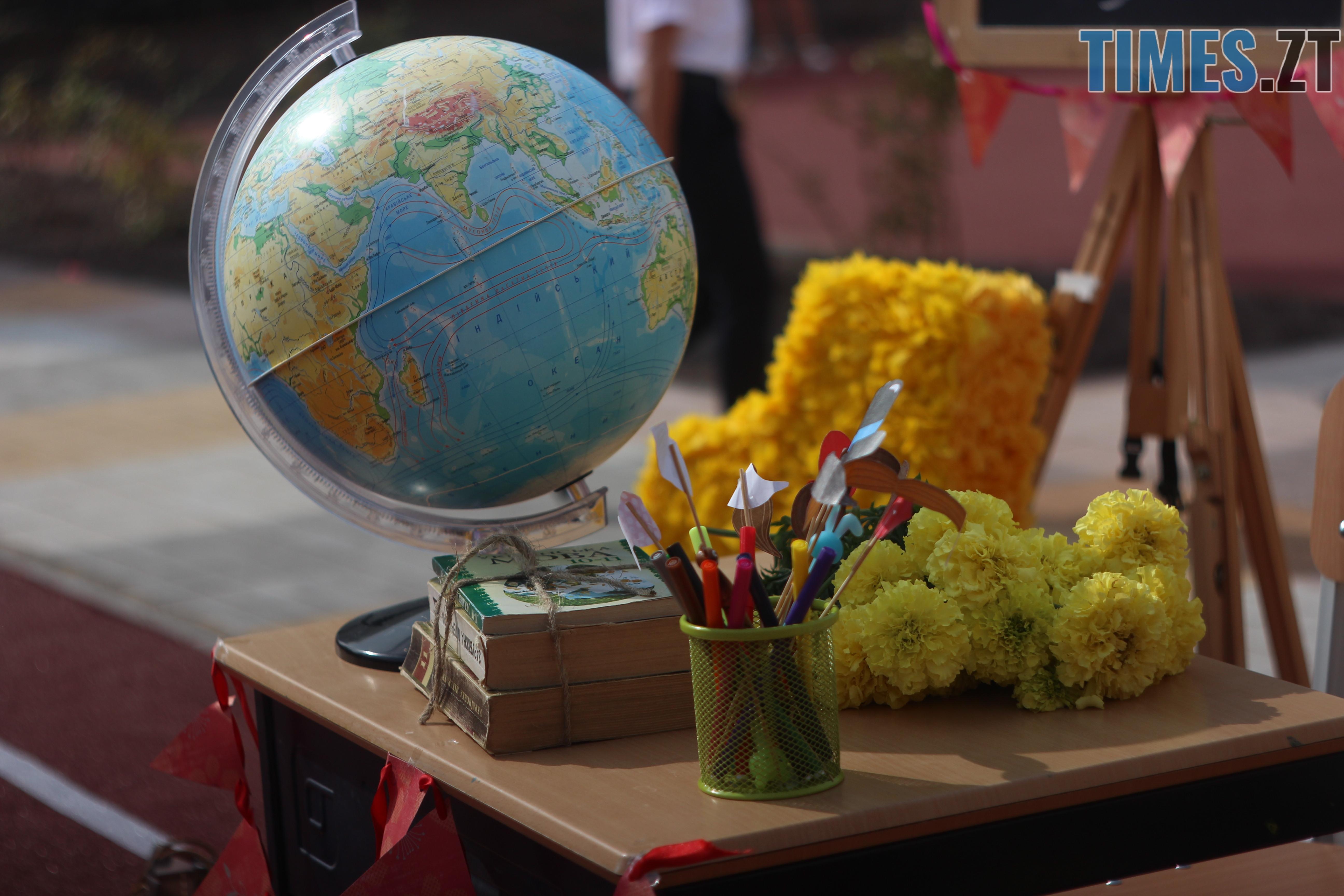 IMG 8894 - Майже 4 тисячі житомирських першокласників навчатимуться за системою Нової української школи (ФОТОРЕПОРТАЖ)